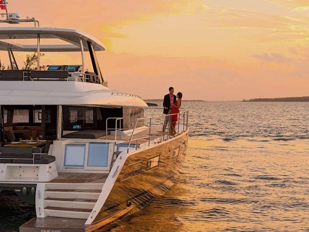 Power Catamaran Yacht Charter