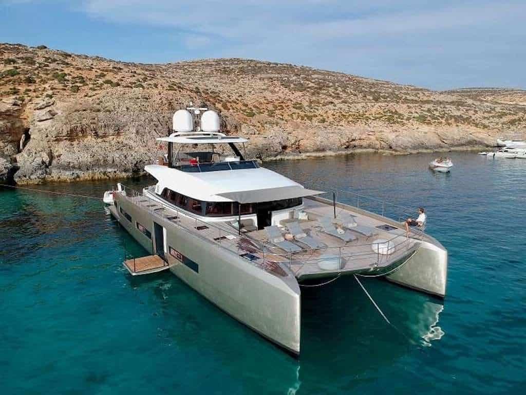 BVI Power Catamaran Yacht Charter